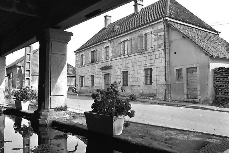 mairie, actuellement maison