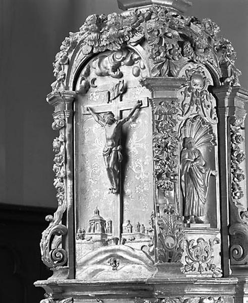 2 gradins d'autel et tabernacle du maître-autel