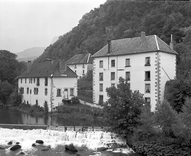 tréfilerie, usine de quincaillerie (clouterie) dites Forges de Lods, puis station de pompage de la Société de Distribution Gaz et Eaux