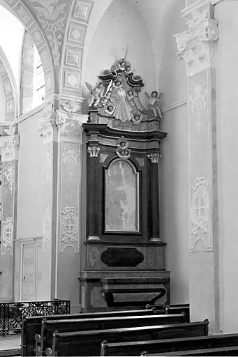 2 autels, 2 retables (2 autels secondaires)