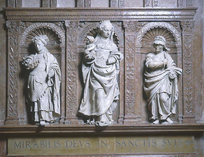 Groupe sculpté (statuettes) : la Vierge à l'Enfant et deux femmes