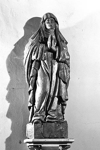 Statue : la Vierge en prière (ou Vierge du Calvaire) dite Vierge de sainte Anne
