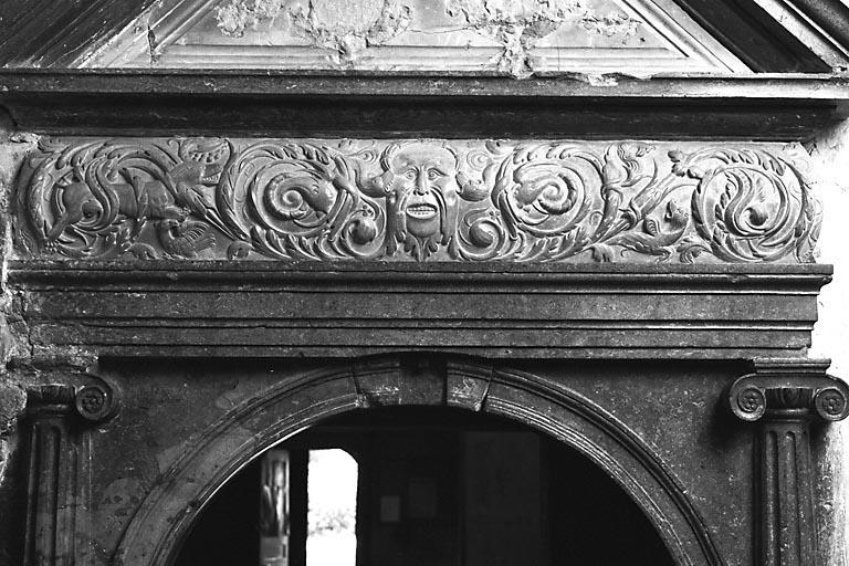 Autel, retable, monument commémoratif, 15 bas-reliefs, 3 bas-reliefs (ensemble du mobilier de la chapelle de la Résie)