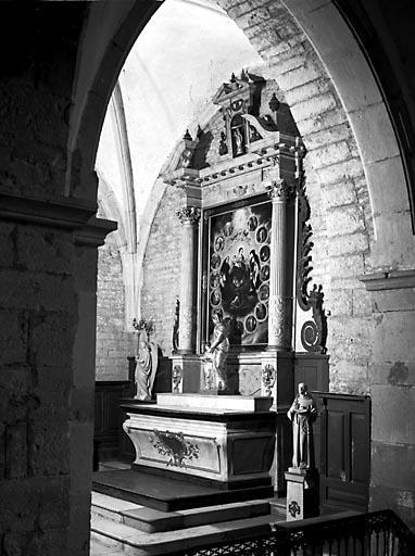 Autel, gradin d'autel, tabernacle, retable (autel secondaire de la 1ère chapelle gauche)