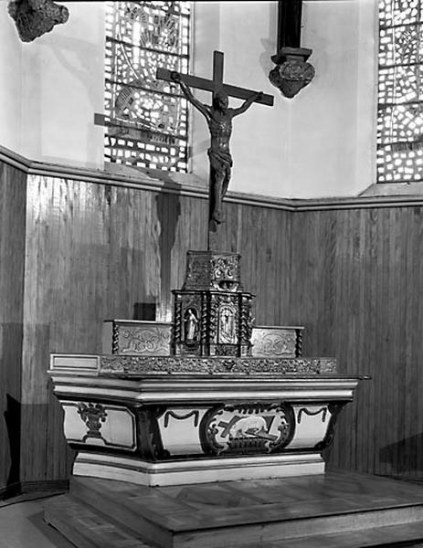 autel, tabernacle, gradin d'autel (maître-autel, autel tombeau)