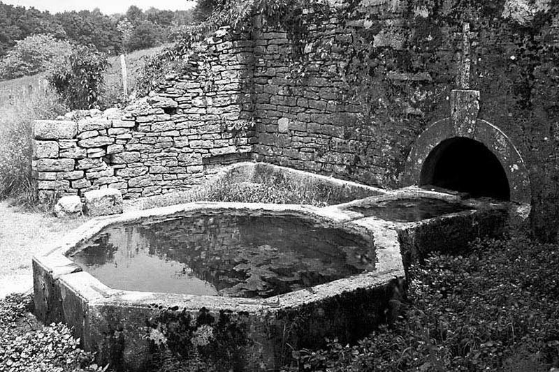 Fontaine Saint-Léger