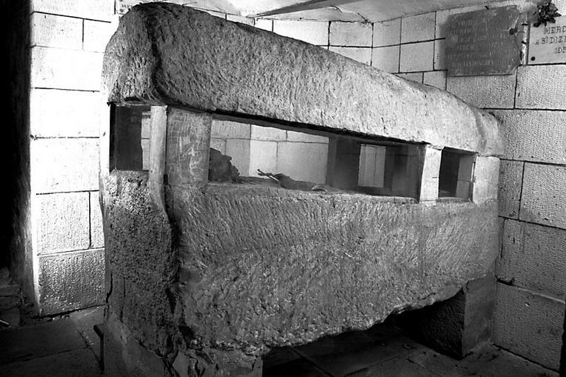 Sarcophage dit tombeau de saint Dizier