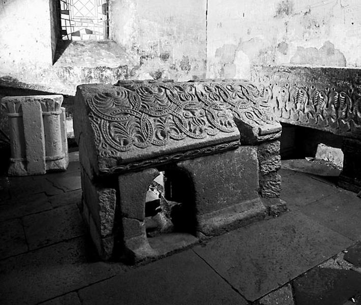 sarcophage dit Pierre des fous