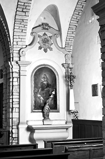 2 autels, 2 gradins d'autel, 2 tabernacles, 2 retables, tableau (2 autels secondaires)
