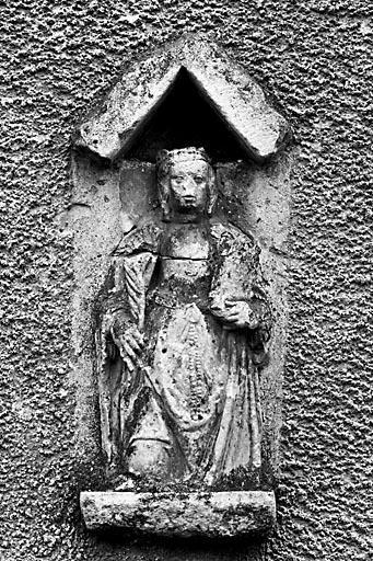 Statue : sainte (?)