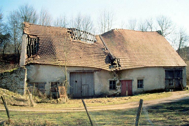 haut fourneau dit Fourneau des Etangs puis Fourneau de Dampierre, actuellement ferme