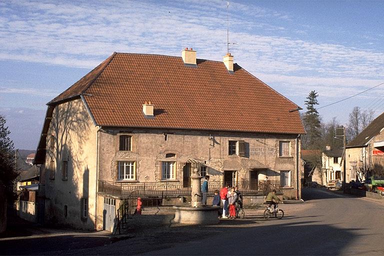 faïencerie dite faïencerie Brachère, actuellement maison, entrepôt de matériel agricole
