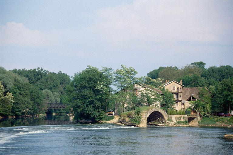 moulin à blé dit moulin de la Papeterie, minoterie, actuellement maison, gymnase
