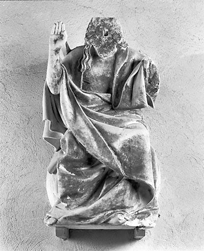 Statue : Christ juge