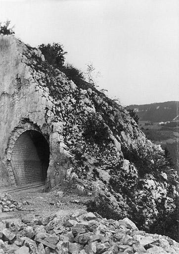 Tunnel dit souterrain des Crottes (voie ferrée Andelot - La Cluse)