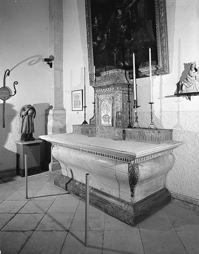 Autel, tabernacle (1er autel secondaire)