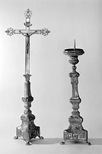 croix d'autel, chandelier d'autel