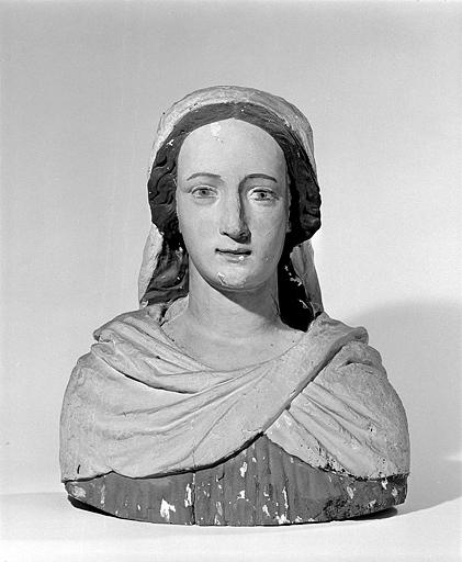 2 bustes : le Christ et la Vierge