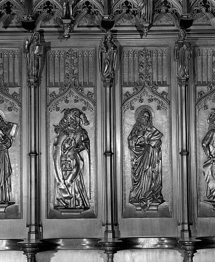 22 bas-reliefs des dorsaux des stalles sud