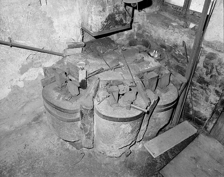 ferme, atelier de clouterie