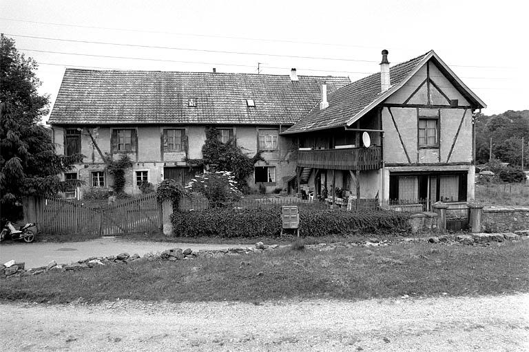 usine de bonneterie Hantz-Nass, puis usine de confection Comatex, actuellement maison