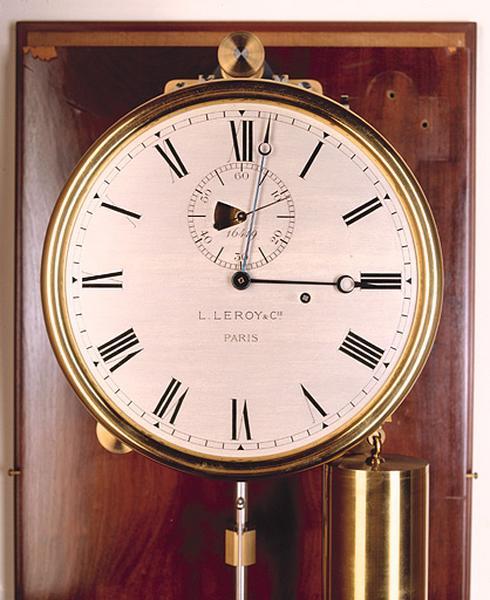 Horloge (régulateur astronomique Leroy n° 16419)