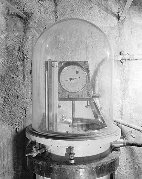 Horloge à pression constante (régulateur astronomique Leroy n° 1600)