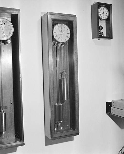Horloge (régulateur astronomique Fénon n° 114)