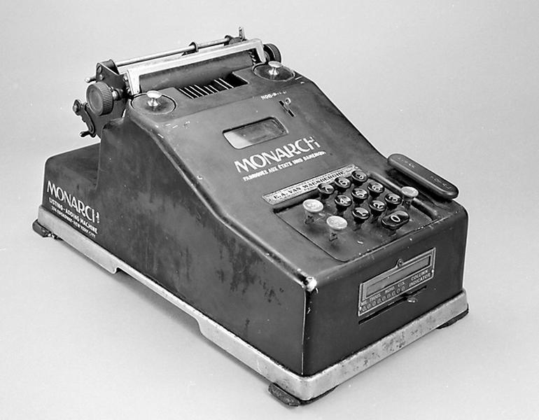 instrument de calcul mécanique (machine à calculer Monarch)