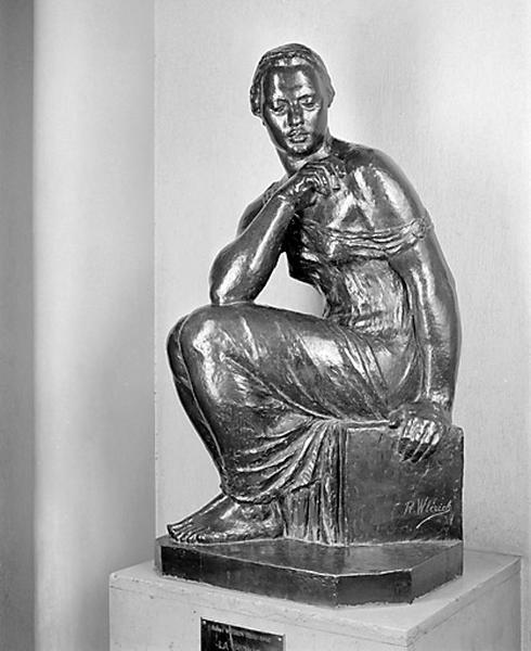 statue : la Pensée