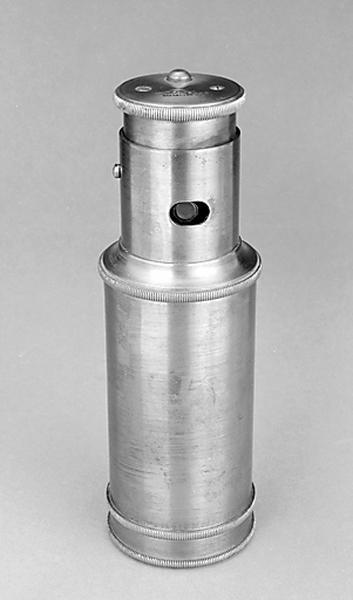 Instrument de mesure des longueurs (niveau à collimateur Morin type Goulier)