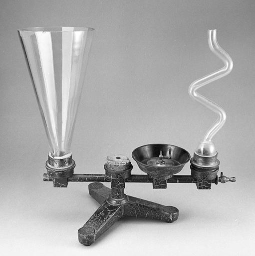 Instrument de démonstration en statique des fluides (vases communicants Radiguet et Massiot)