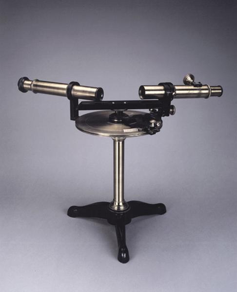 instrument de mesure des angles de réfraction (goniomètre de Babinet)
