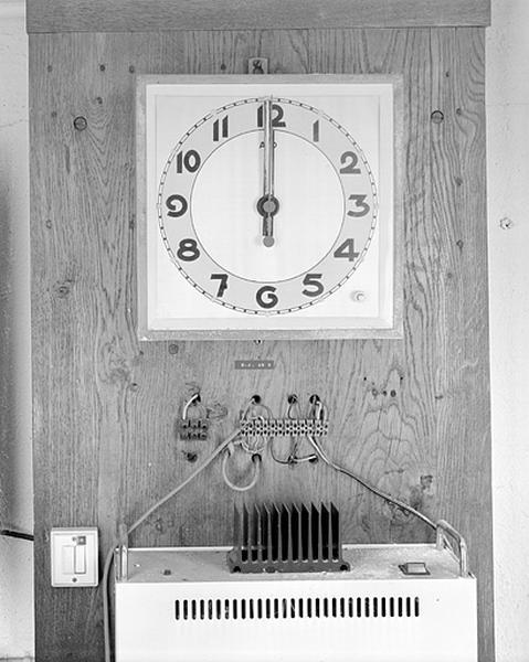 Horloge électrique Ato