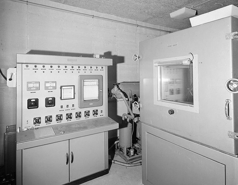 Machine à modifier la température et la siccité (étuve, réfrigérateur et congélateur de laboratoire Sapratin)