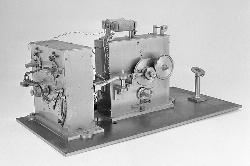 Convertisseur électrique et instrument d'enregistrement (appareil télégraphique)