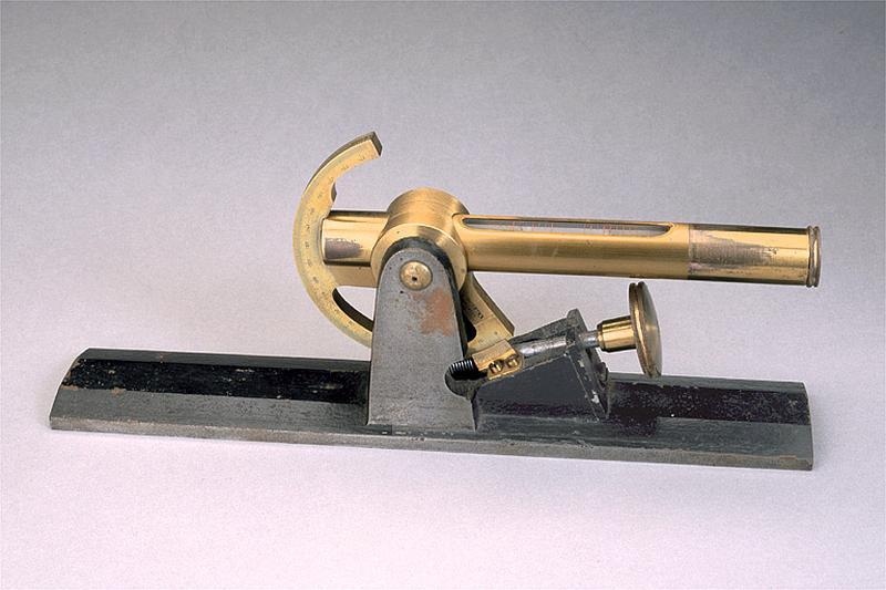 Instrument de mesure des angles (clinomètre Secrétan)