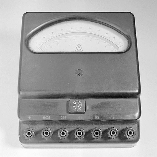 Instrument de mesure de forces électromotrices (ampèremètre AOIP)
