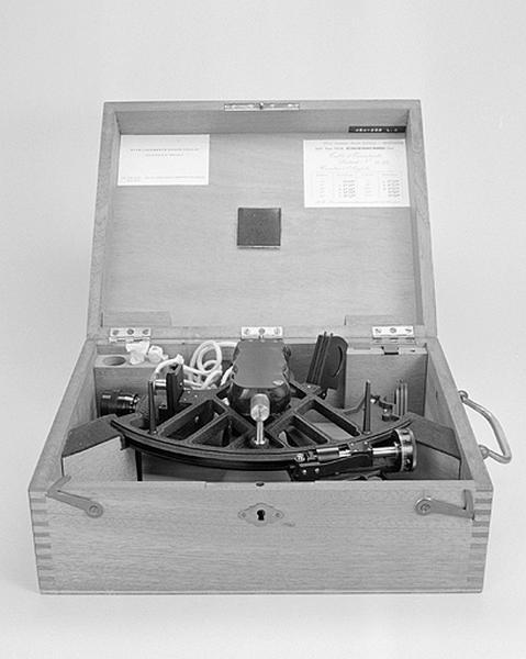 Instrument de mesure des angles (sextant Lorieux-Lepetit-Poulin)