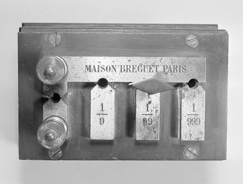 instruments de mesure de forces électromotrices (shunt Breguet) et de préparation (commutateur)
