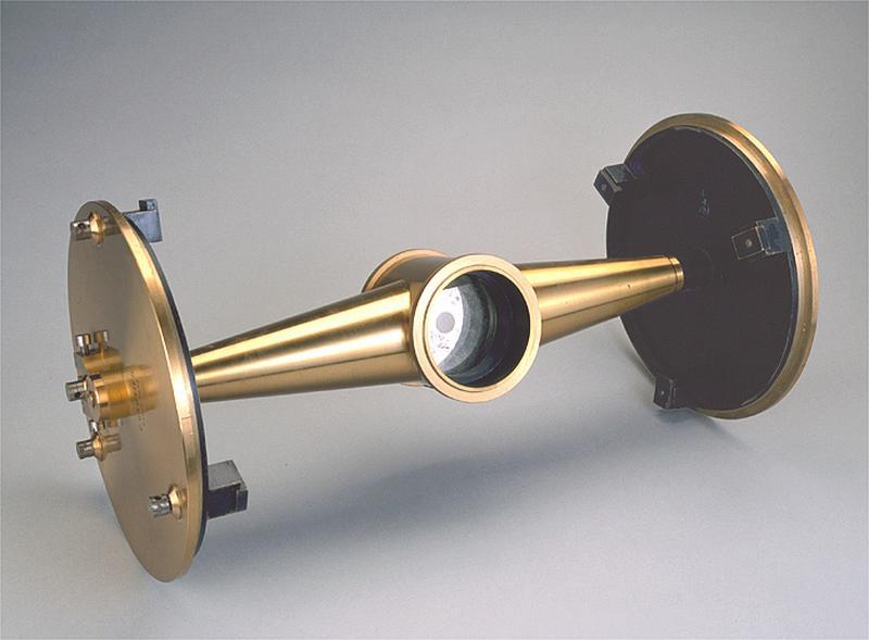 instrument de préparation et de mesure des angles (appareil à flexion de Loewy)