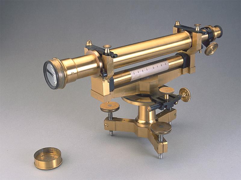 Instrument de préparation (niveau à lunette dit niveau d'Egault)