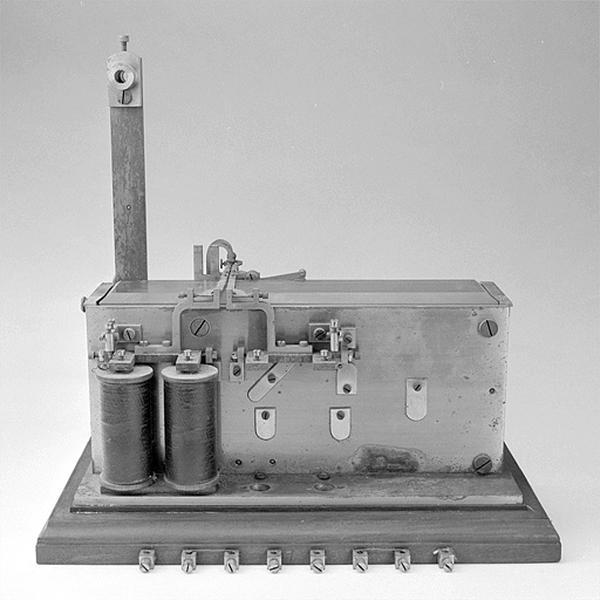 Convertisseur électrique et instrument d'enregistrement (récepteur télégraphique Fénon n° 34)