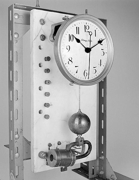 1ère horloge électrique Brillié