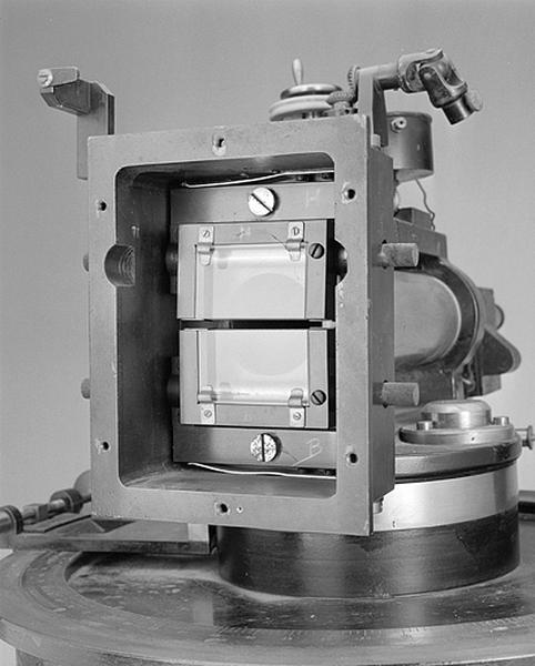 Instrument astrométrique (instrument des hauteurs égales dit astrolabe impersonnel de Baillaud)