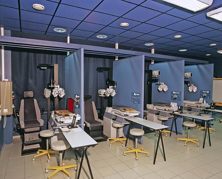 le mobilier de l'Ecole nationale d'Optique puis lycée polyvalent Victor Bérard