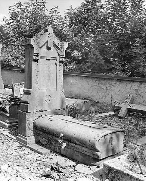 Tombeaux d'Aimé et Marie-Reine Chavin