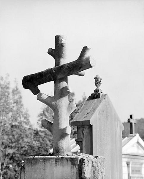 croix funéraire de la famille Beaudet