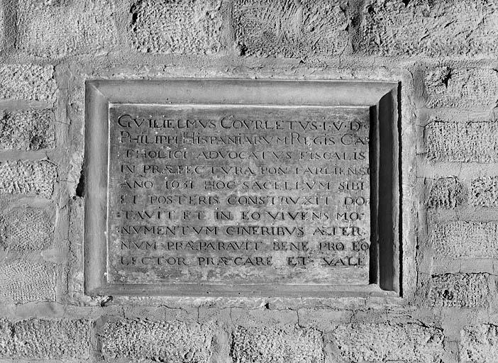 2e plaque commémorative