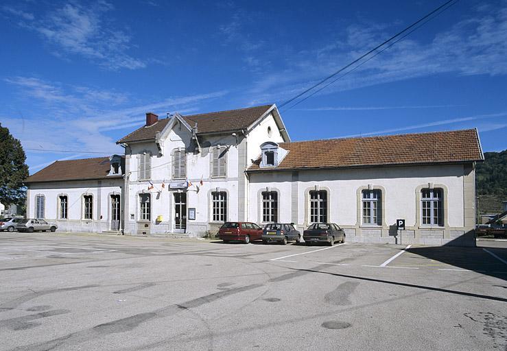 Gare de Champagnole (voie ferrée Andelot - La Cluse)